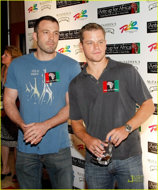 matt-damon-ben-affleck-poker-africa-05