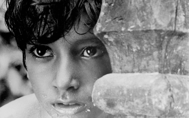 Pather Panchali (1955 India) Directed by Satyajit Ray Shown: Subir Bannerjee