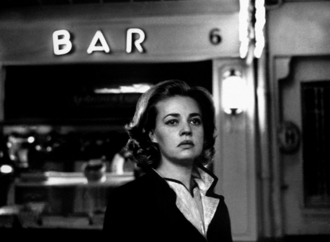 lift-to-the-scaffold-1958-003-jeanne-moreau