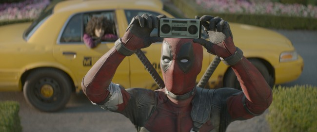 af0212_pubstill_01_R – Ryan Reynolds stars as Deadpool in Twentieth Century Fox's DEADPOOL 2. Photo Credit: Courtesy Twentieth Century Fox.